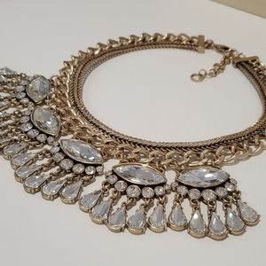 Banana Republic Jewelry - Banana Republic beautiful statement necklace